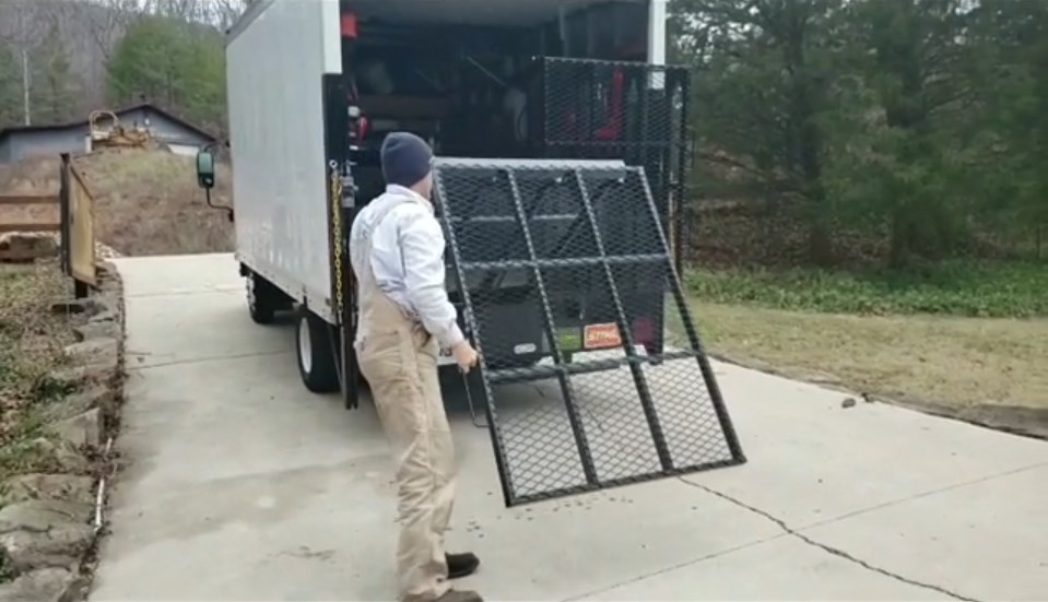 MR750 Manual Loading Ramp Demo-Shawn Davenport